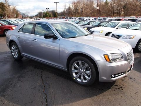2013 Chrysler 300 S V8 AWD Glacier Package Data, Info and Specs