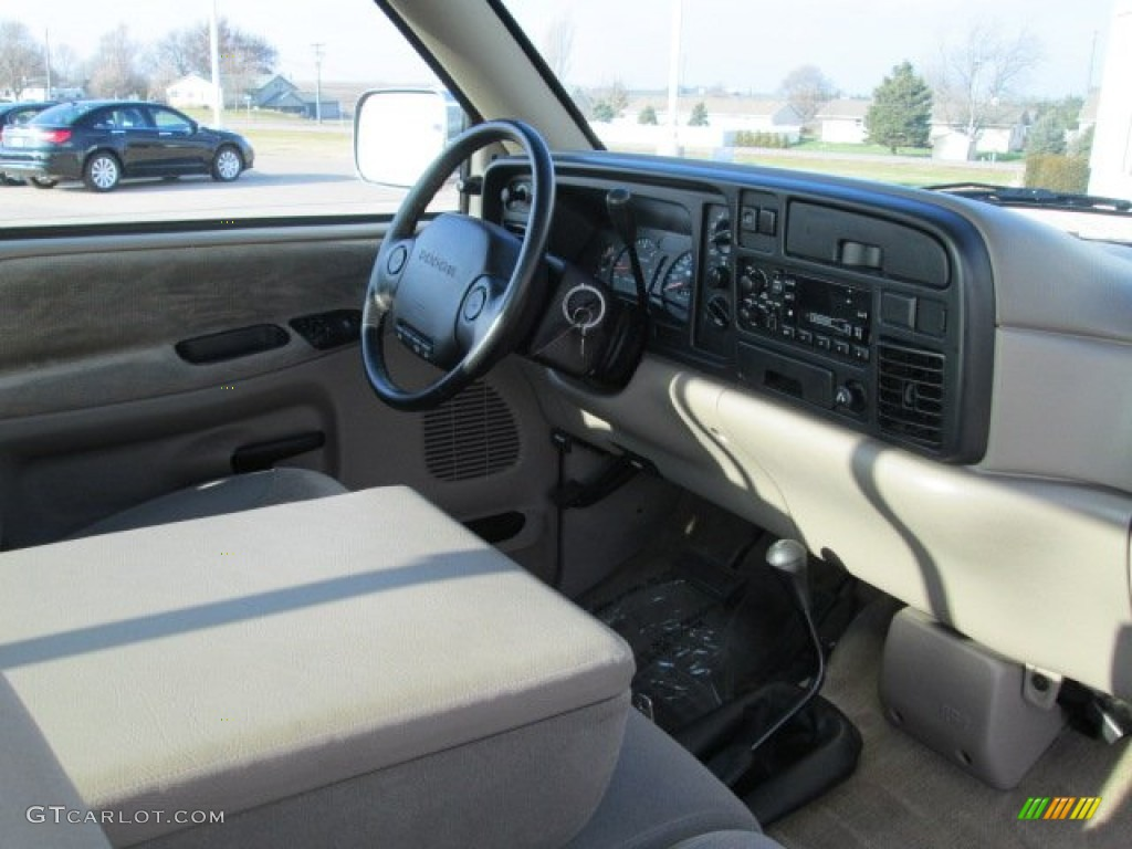 1996 Dodge Ram 1500 SLT Extended Cab 4x4 Gray Dashboard Photo #74945428