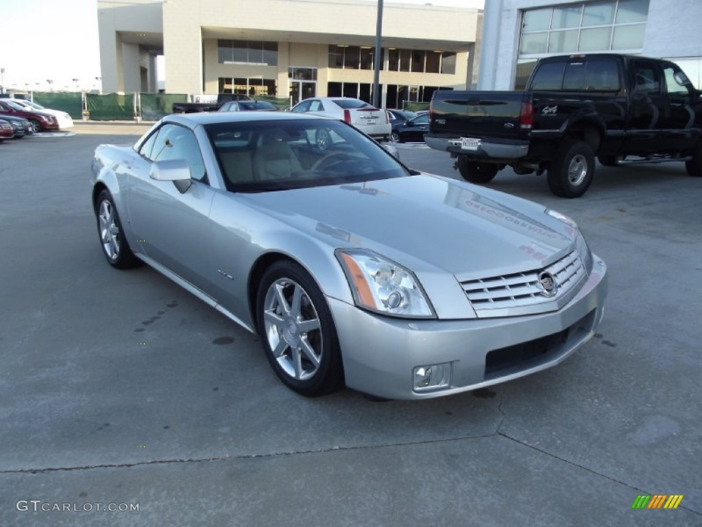 light platinum 2006 cadillac xlr roadster exterior photo. Black Bedroom Furniture Sets. Home Design Ideas