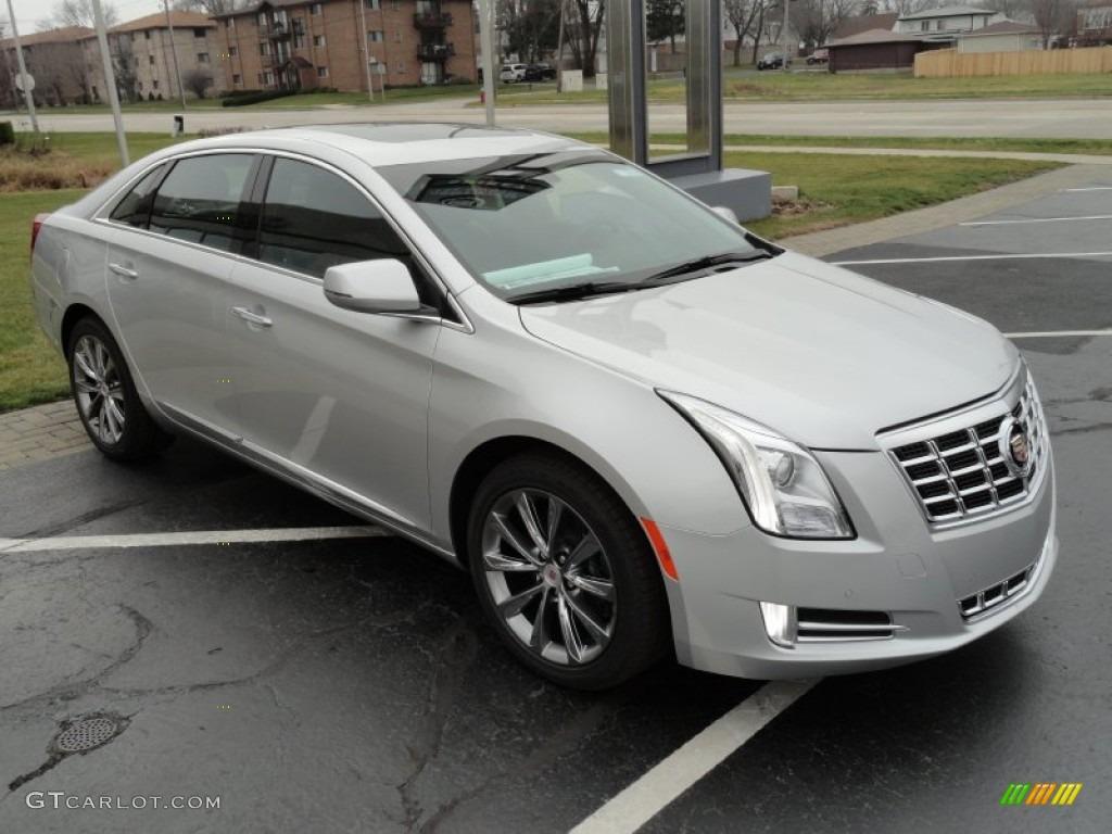 Radiant Silver Metallic 2013 Cadillac Xts Luxury Fwd Exterior Photo 75027717