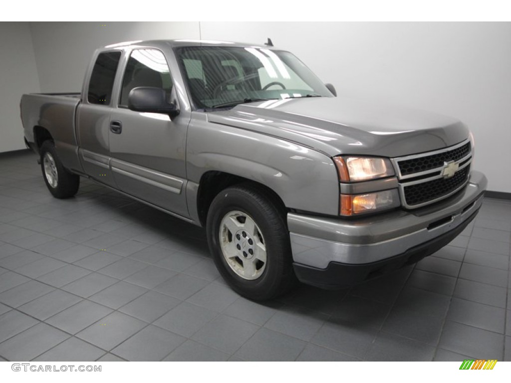 2006 Silverado 1500 LT Extended Cab - Graystone Metallic / Medium Gray photo #1