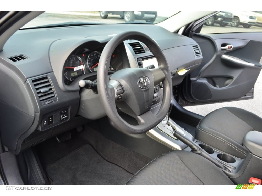 Dark Charcoal Interior 2013 Toyota Corolla S Photo 75234634