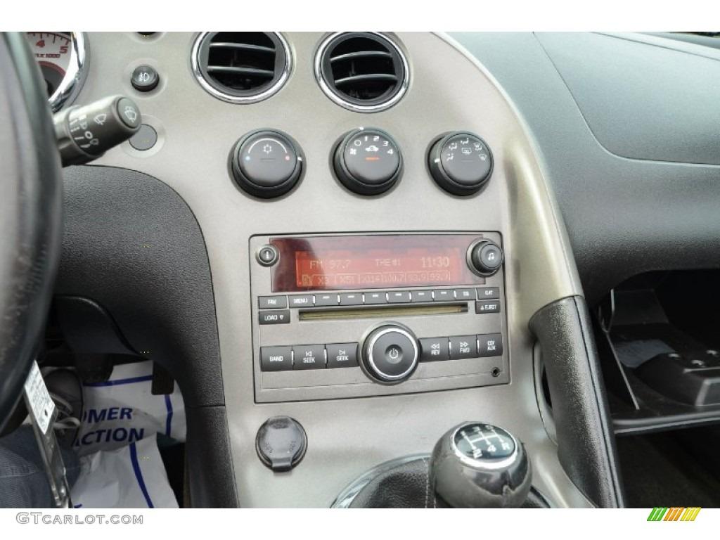 2006 Pontiac Solstice Roadster Audio System Photo 75252321