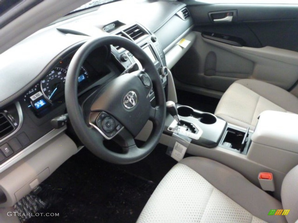 Ash Interior 2013 Toyota Camry Le Photo 75310644