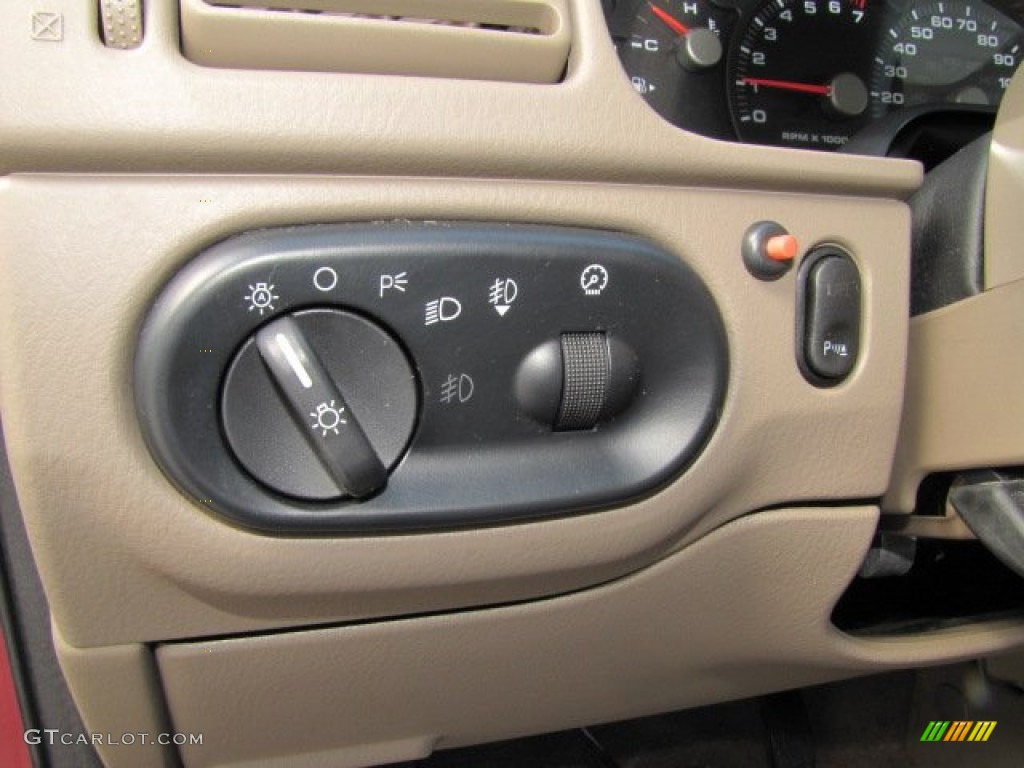 2003 Ford Explorer Eddie Bauer Controls Photo #75446681