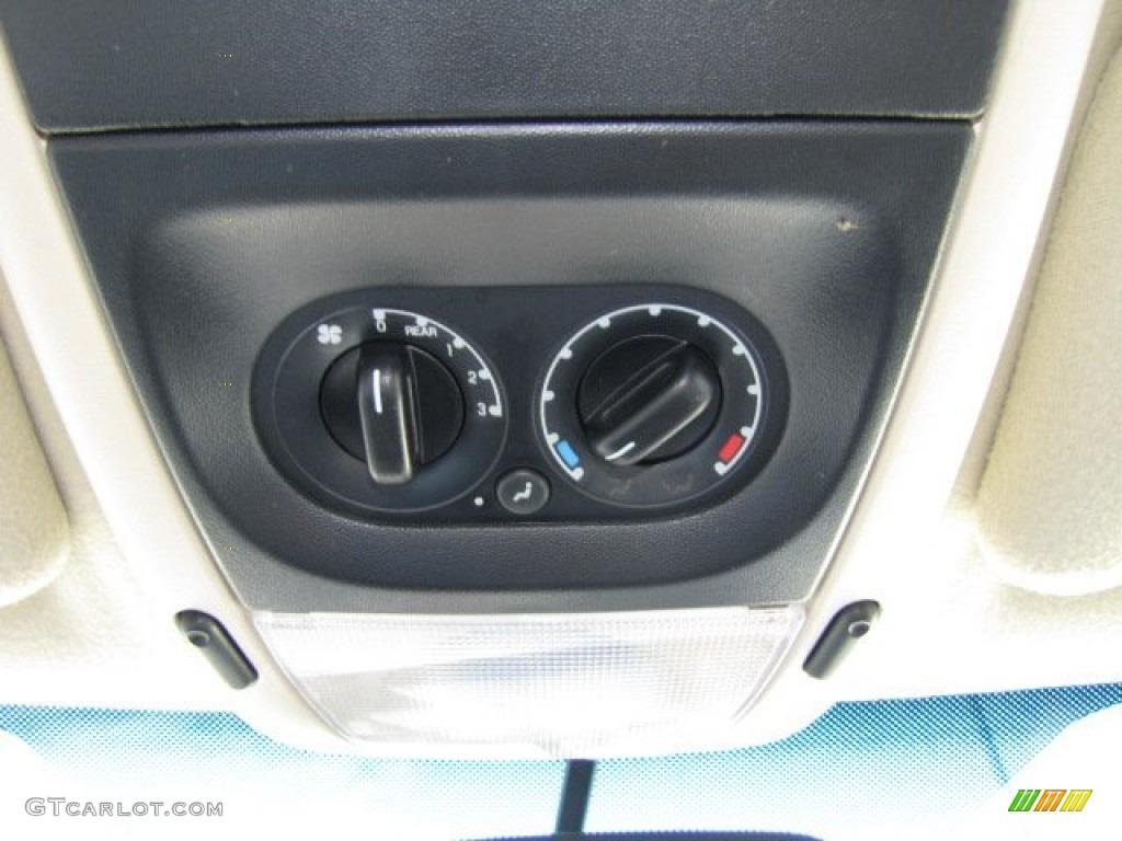 2003 Ford Explorer Eddie Bauer Controls Photo #75446724
