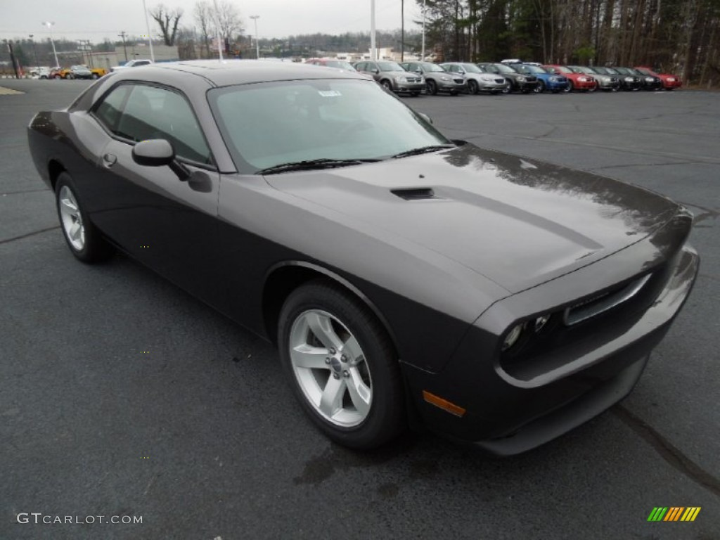 2013 granite crystal metallic dodge challenger sxt plus. Black Bedroom Furniture Sets. Home Design Ideas