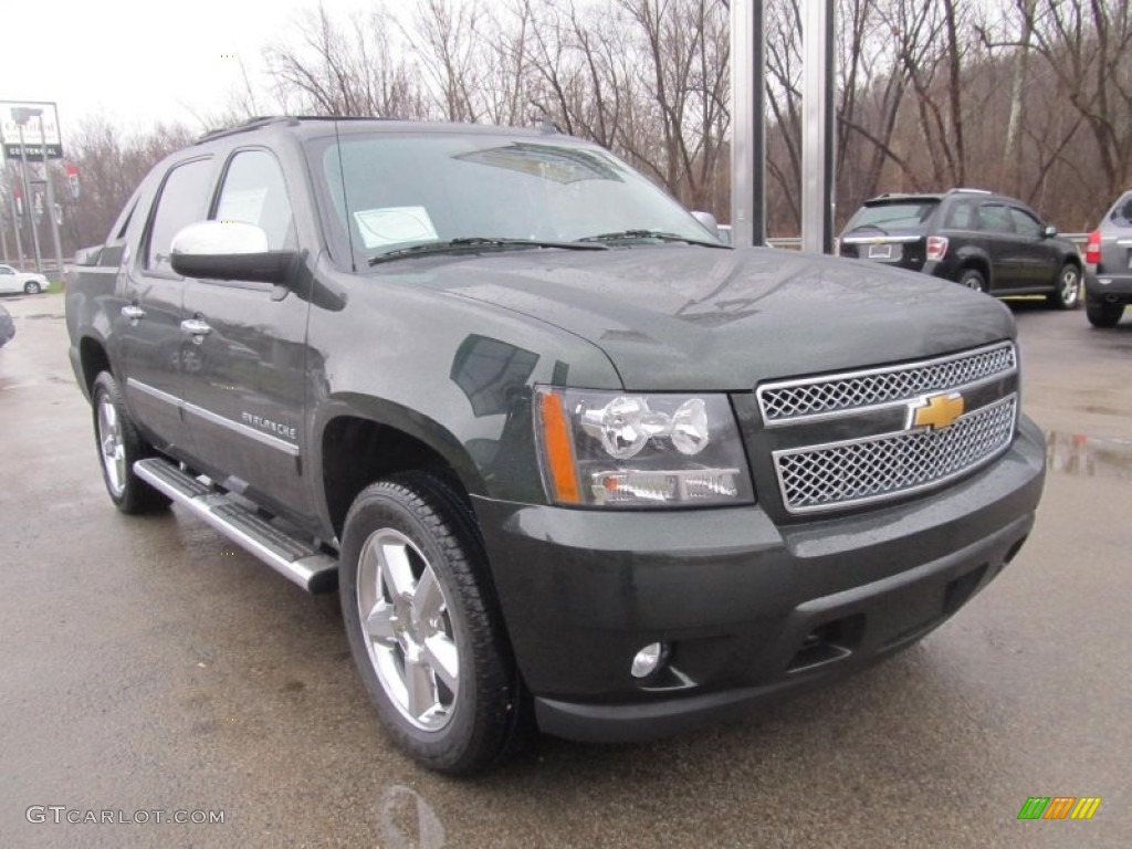 fairway metallic 2013 chevrolet avalanche ltz 4x4 black diamond edition exterior photo 75467504. Black Bedroom Furniture Sets. Home Design Ideas