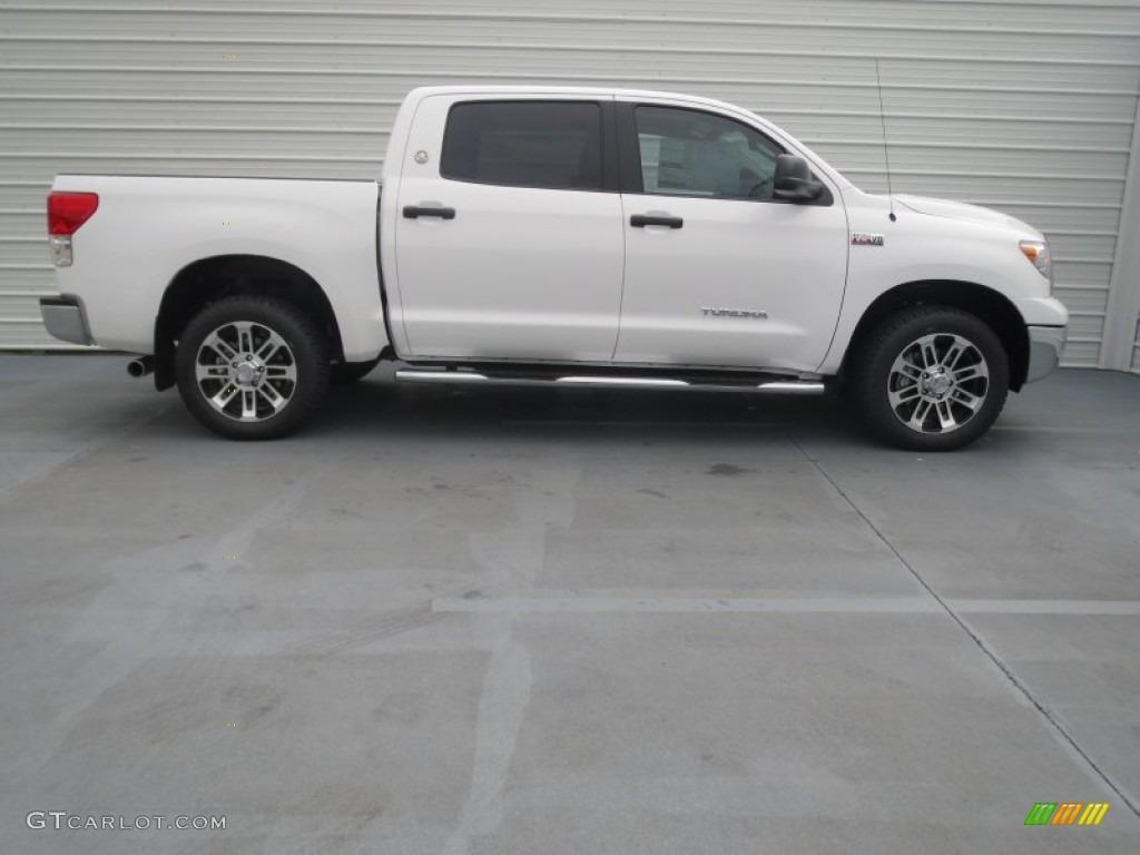 2013 Tundra Texas Edition CrewMax 4x4 - Super White / Black photo #2