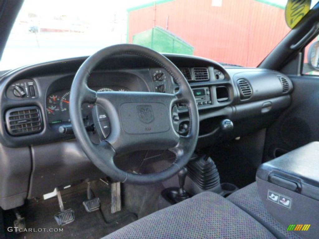 mist gray interior 2001 dodge ram 3500 slt quad cab 4x4. Black Bedroom Furniture Sets. Home Design Ideas