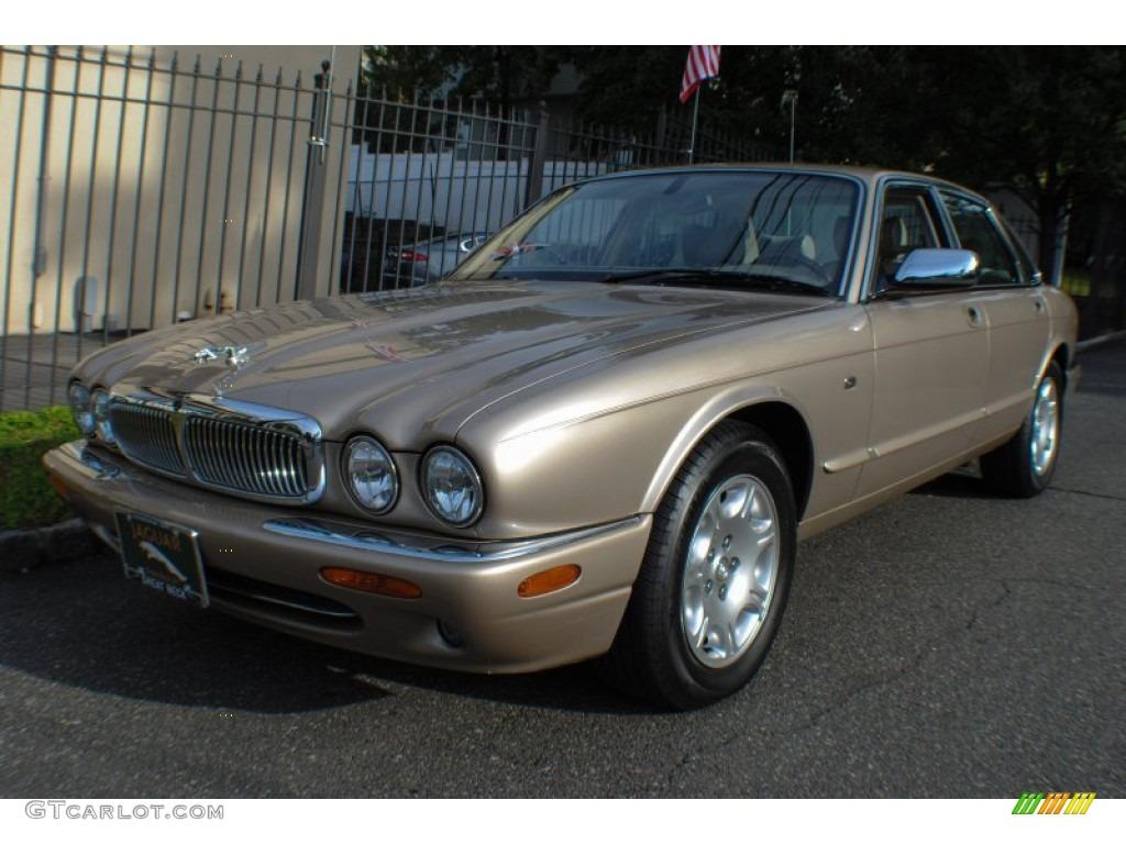 Topaz Jaguar XJ
