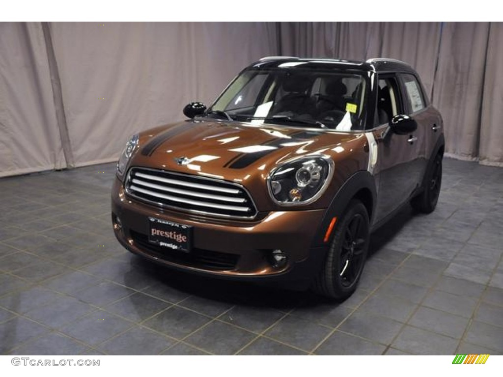 Brilliant Copper Metallic Mini Cooper Countryman