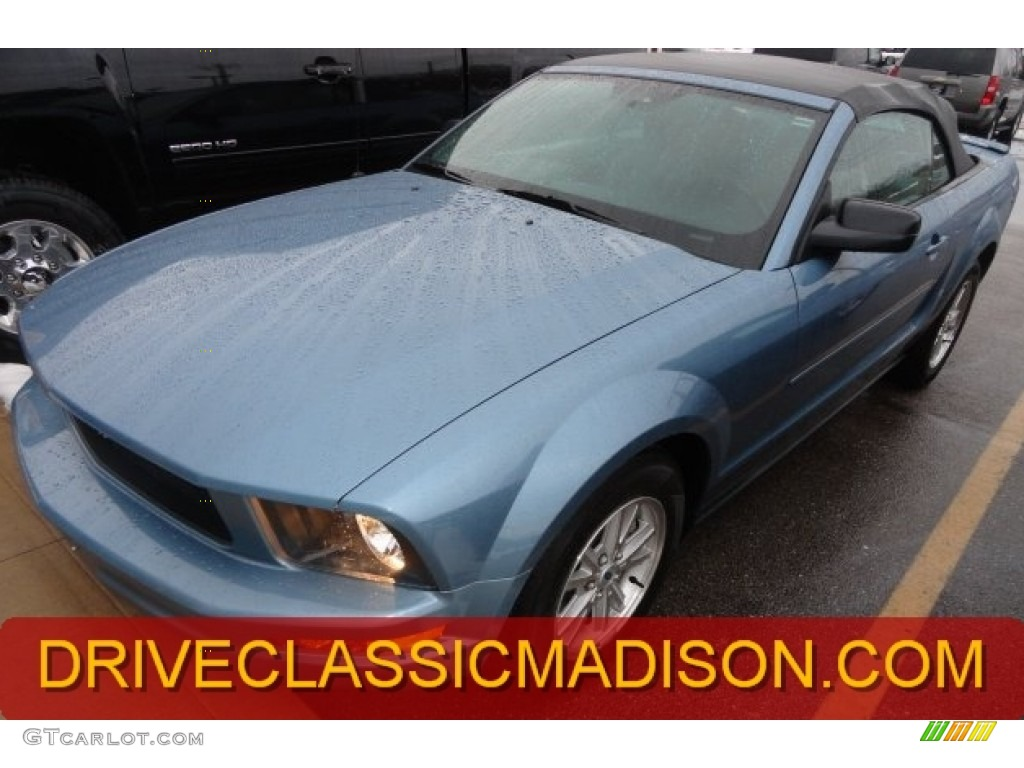 2007 Mustang V6 Deluxe Convertible - Windveil Blue Metallic / Light Graphite photo #1