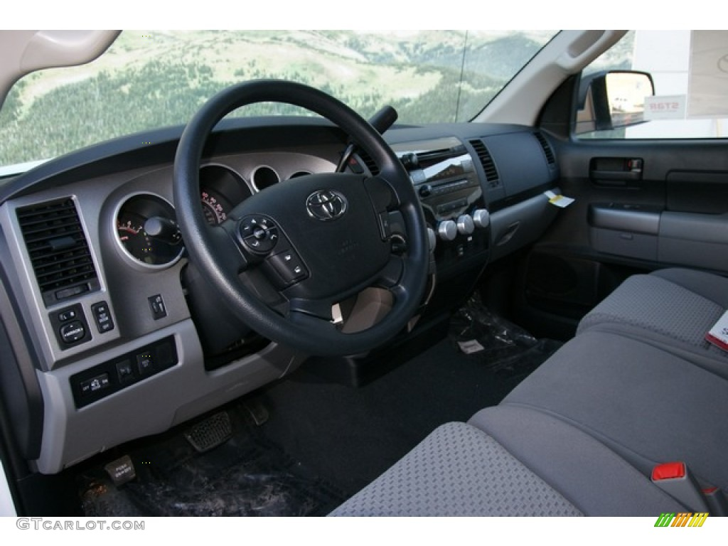 2013 Tundra CrewMax 4x4 - Super White / Graphite photo #5