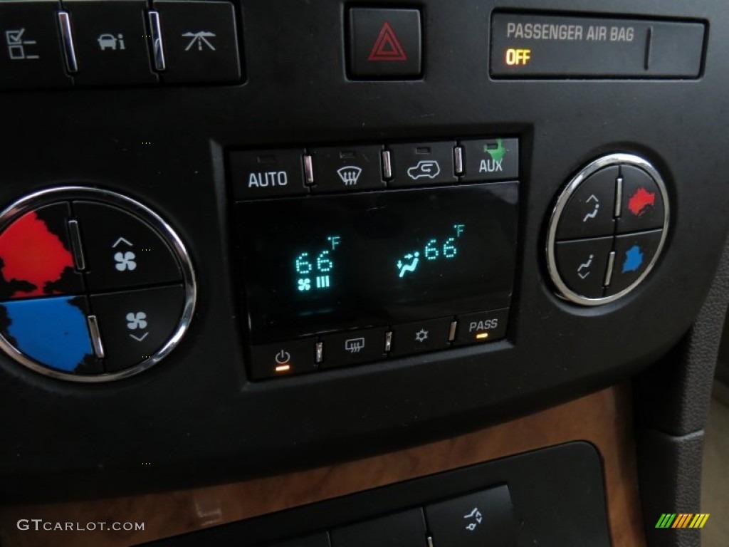 2008 Buick Enclave CX Controls Photo #75795695