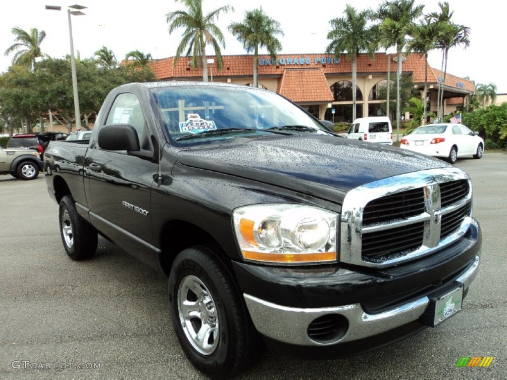 2006 Ram 1500 SLT Regular Cab 4x4 - Brilliant Black Crystal Pearl / Medium Slate Gray photo #1