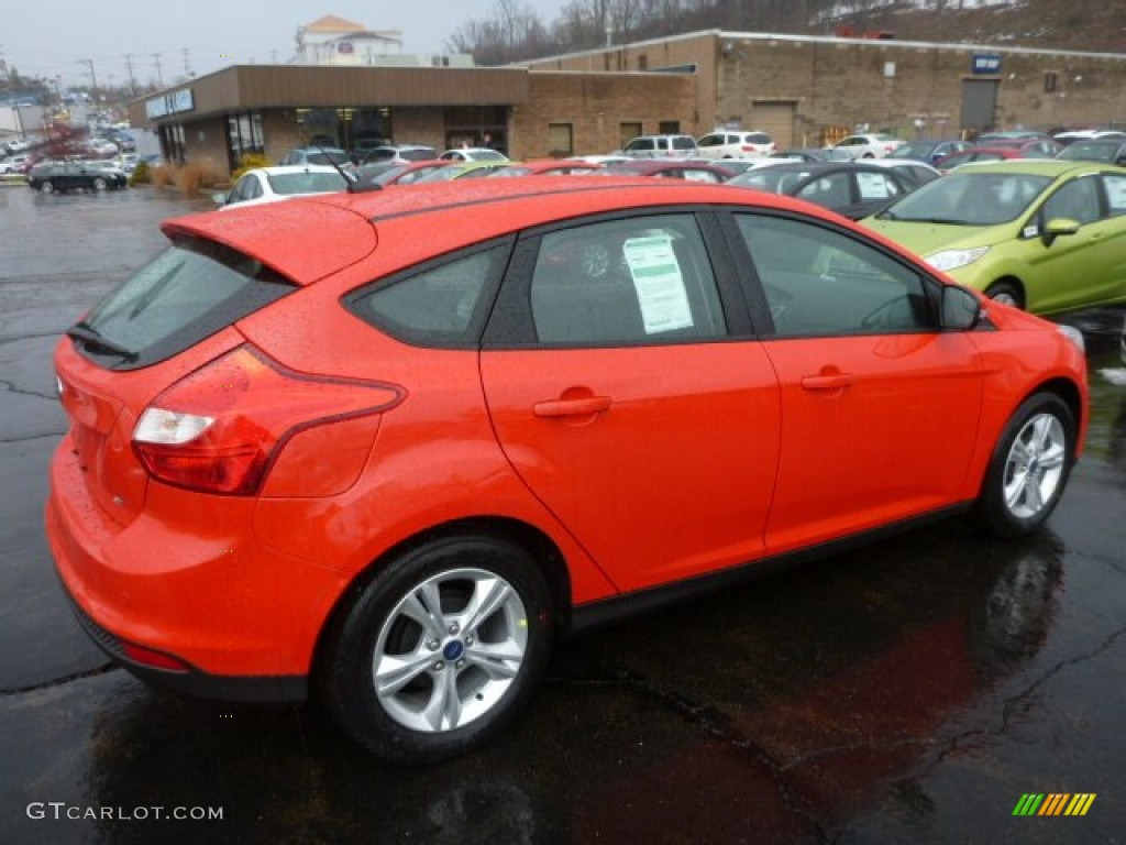 race red 2013 ford focus se hatchback exterior photo 75824302. Black Bedroom Furniture Sets. Home Design Ideas