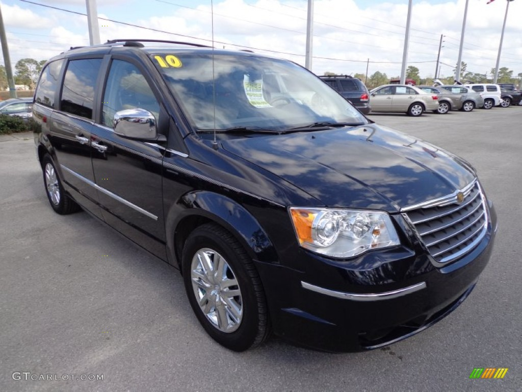 Blackberry Pearl 2010 Chrysler Town Country Limited Exterior Photo