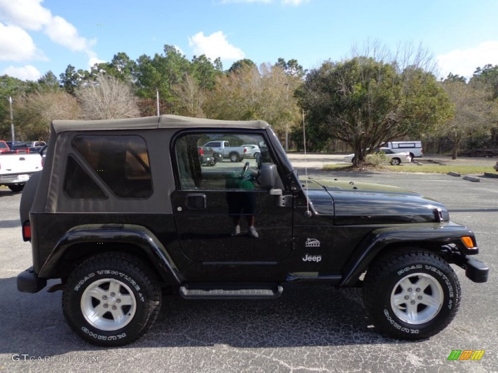 Black 2004 Jeep Wrangler Sahara 4x4 Exterior Photo 75947707