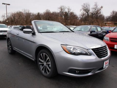 2013 Chrysler 200 S Convertible Data, Info and Specs