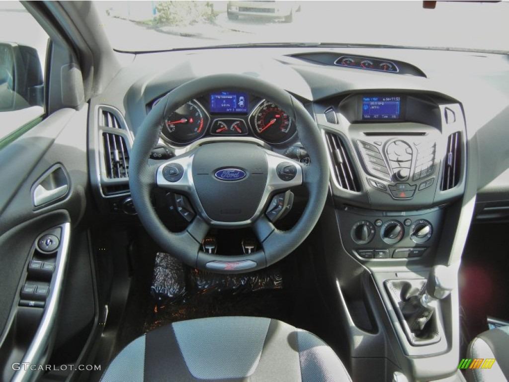 2013 Ford Focus ST Hatchback ST Charcoal Black Dashboard ...