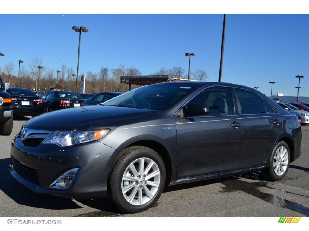2013 Magnetic Gray Metallic Toyota Camry Hybrid Xle