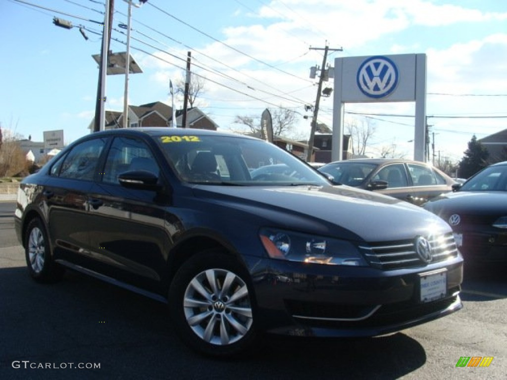 2012 night blue metallic volkswagen passat 2 5l s. Black Bedroom Furniture Sets. Home Design Ideas
