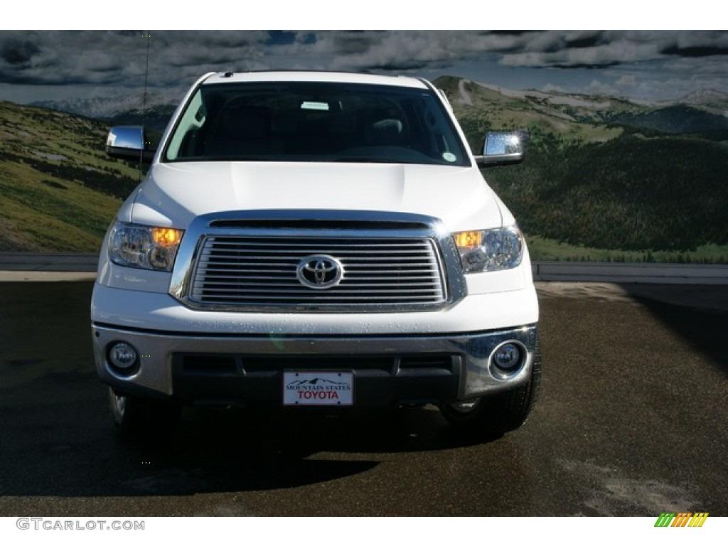 2013 Tundra Platinum CrewMax 4x4 - Super White / Graphite photo #3