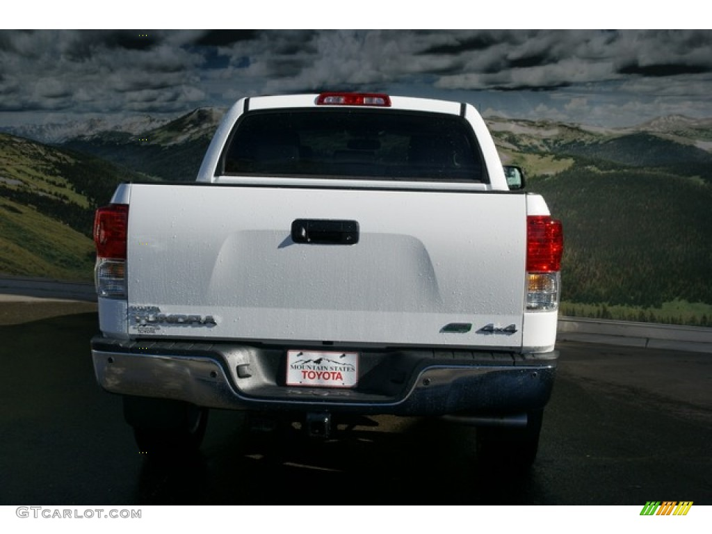 2013 Tundra Platinum CrewMax 4x4 - Super White / Graphite photo #4