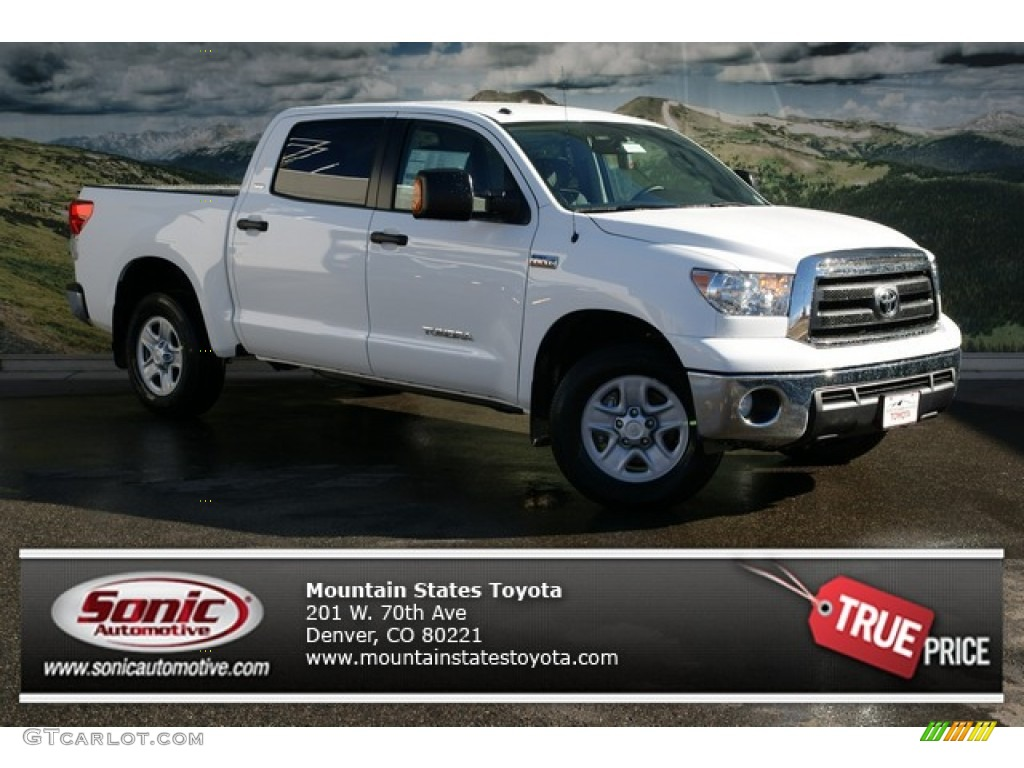 2013 Tundra CrewMax 4x4 - Super White / Graphite photo #1