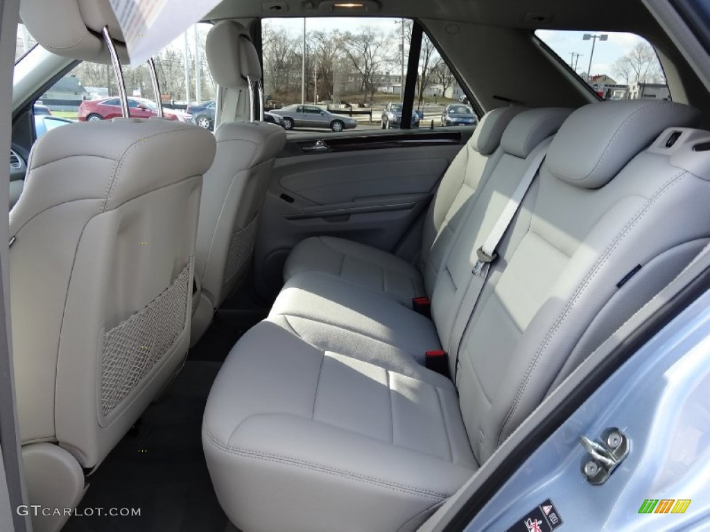 2011 mercedes benz ml 350 4matic rear seat photo 76378156 for Mercedes benz ml350 seat covers