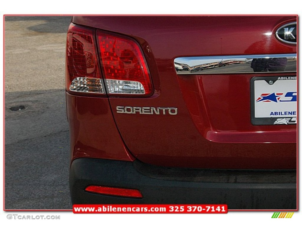 2011 Sorento LX V6 - Spicy Red / Beige photo #5