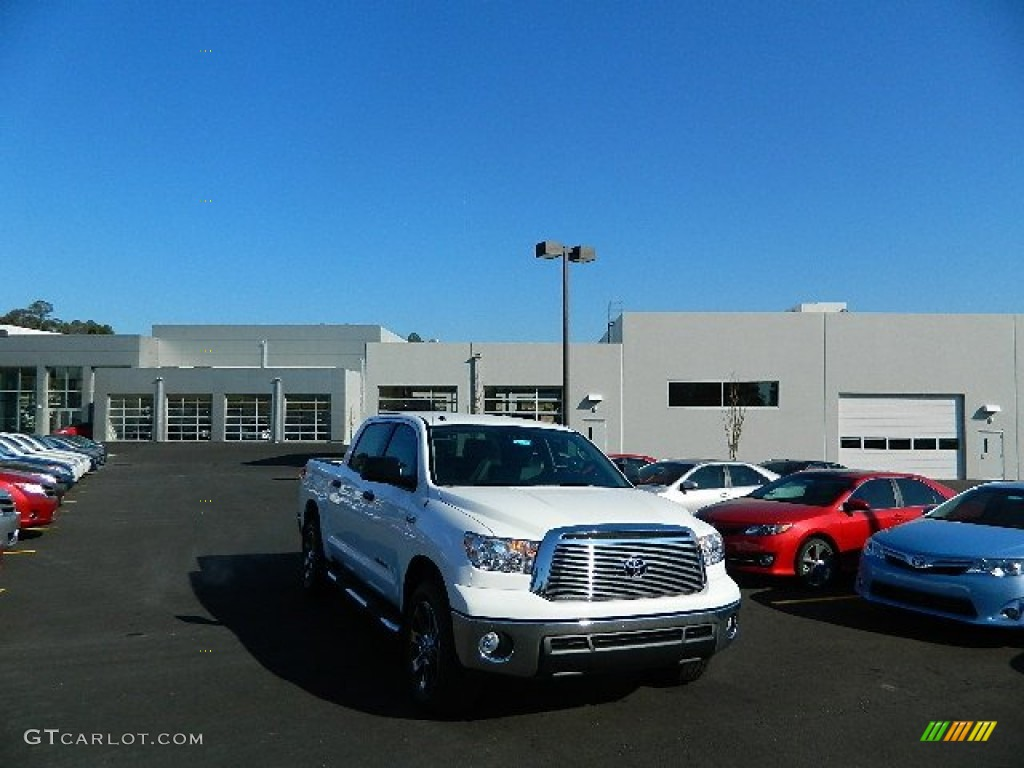 2013 Tundra TSS CrewMax 4x4 - Super White / Graphite photo #1