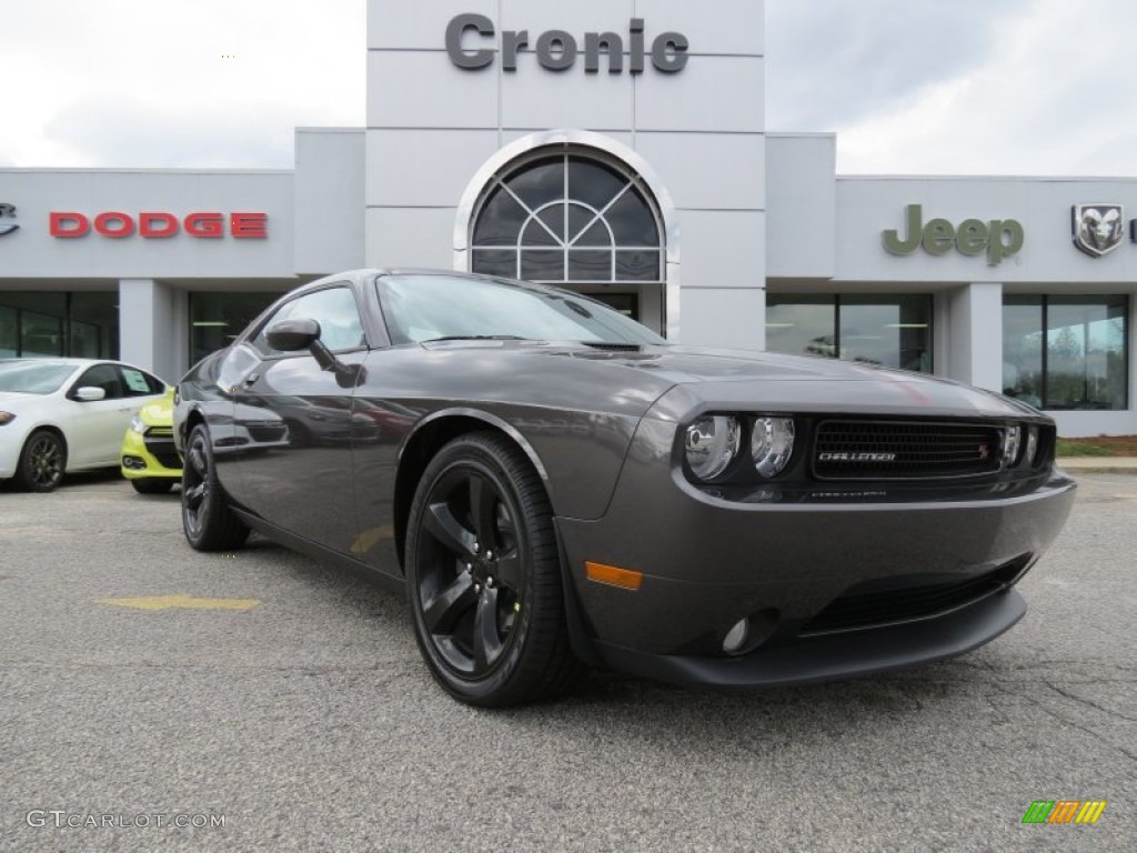 2013 granite crystal metallic dodge challenger r t plus. Black Bedroom Furniture Sets. Home Design Ideas