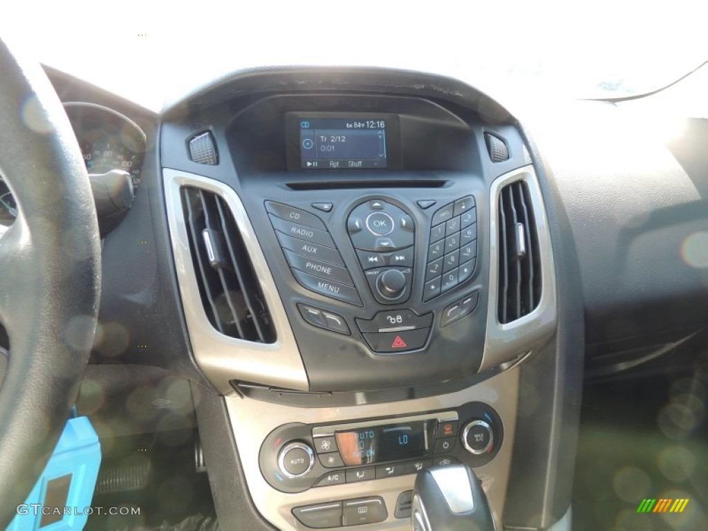 2012 Focus SEL Sedan - White Platinum Tricoat Metallic / Charcoal Black photo #20