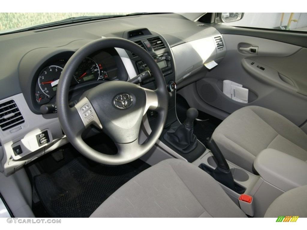 Ash Interior 2013 Toyota Corolla L Photo 76909190