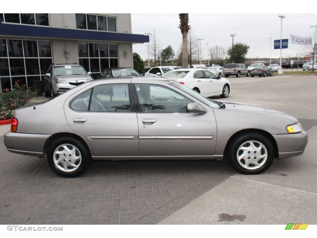 1999 Nissan Altima Gxe Exterior Photos