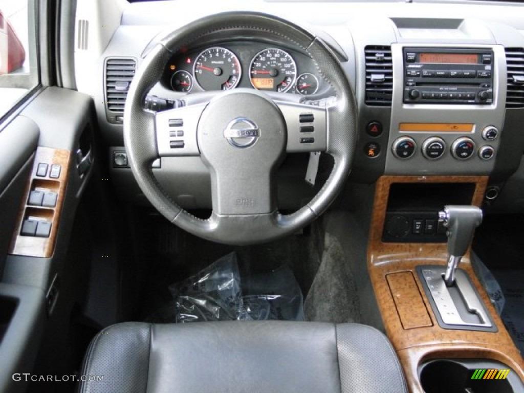 2005 Nissan Pathfinder Le Graphite Dashboard Photo 77040201
