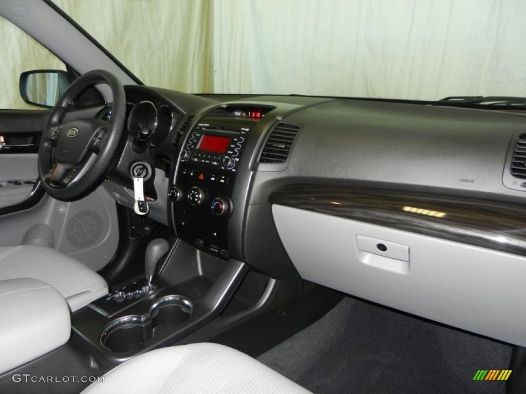 2011 Sorento LX AWD - Spicy Red / Gray photo #24