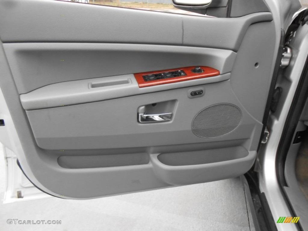 2005 Jeep Grand Cherokee Limited Door Panel Photos