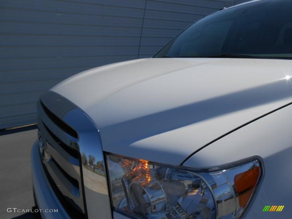 2013 Tundra TSS Double Cab - Super White / Graphite photo #11