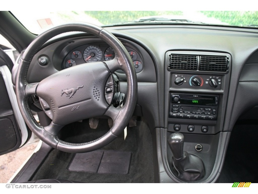 2002 Ford Mustang GT Coupe Dark Charcoal Dashboard Photo #77251048