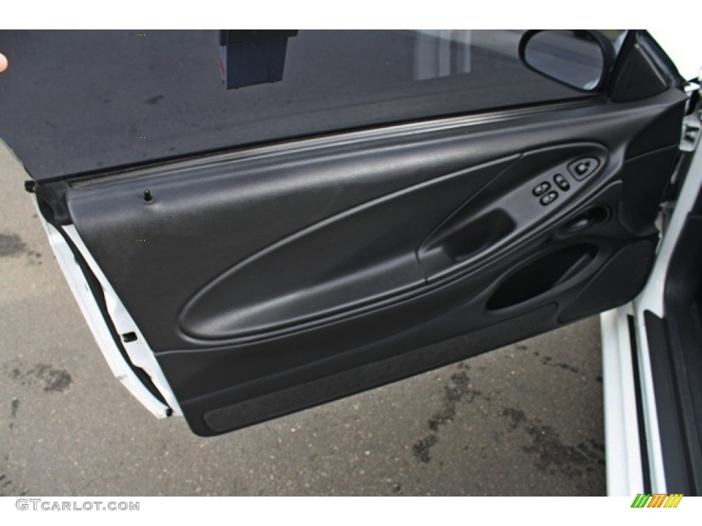 2002 Ford Mustang GT Coupe Dark Charcoal Door Panel Photo #77251252