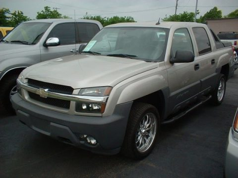 2005 chevrolet avalanche ls data info and specs. Black Bedroom Furniture Sets. Home Design Ideas