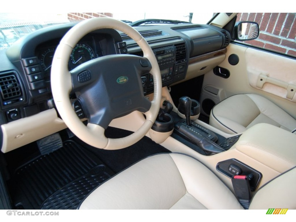 Land rover discovery 2004 interior the for Interior range rover