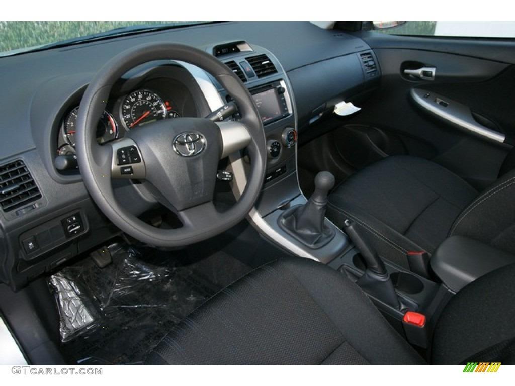 Dark Charcoal Interior 2013 Toyota Corolla S Photo 77442724