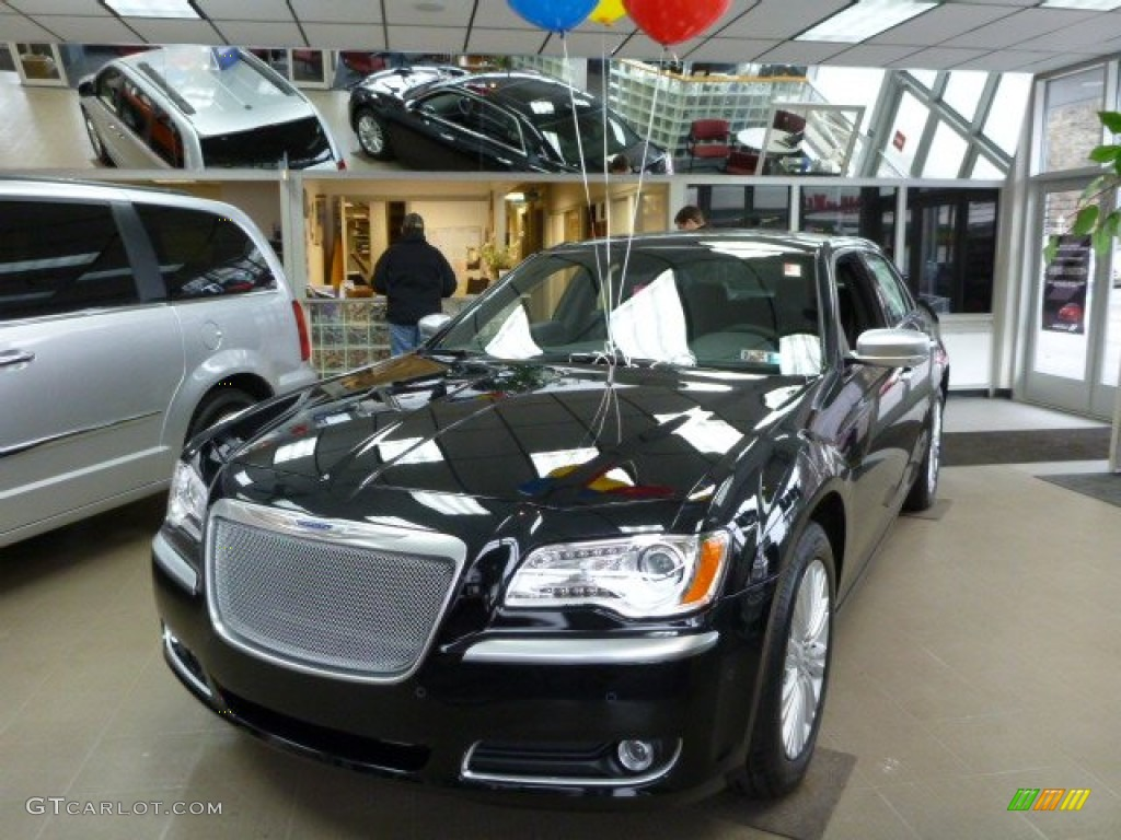 2013 Phantom Black Tri Coat Pearl Chrysler 300 C Awd John