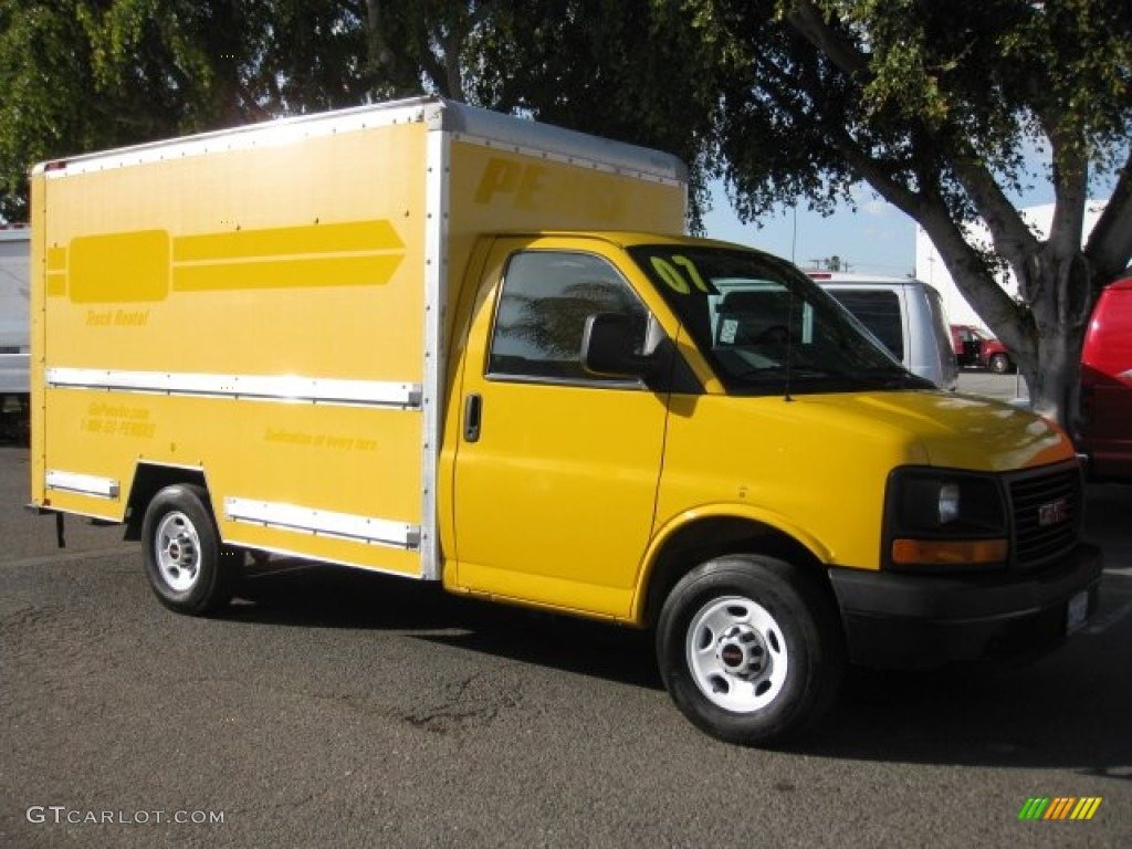 yellow 2008 gmc savana cutaway 3500 commercial moving. Black Bedroom Furniture Sets. Home Design Ideas
