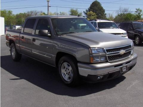 2006 Chevrolet Silverado 1500 LT Crew Cab Data, Info and Specs