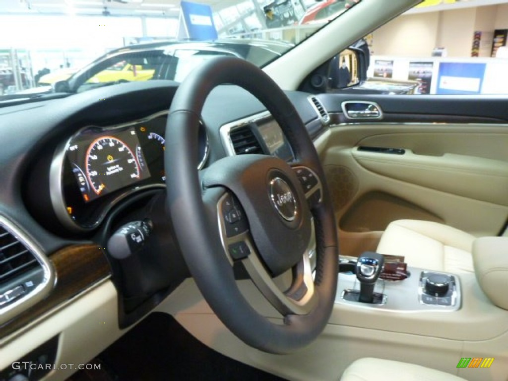 New Zealand Black Light Frost Interior 2014 Jeep Grand Cherokee Limited 4x4 Photo 77620145